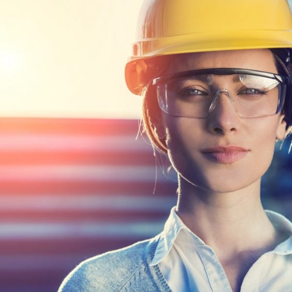 Women, Want to Earn Over 150k Per Year? <br>Female Construction Workers are the Solution to the Skill Shortage